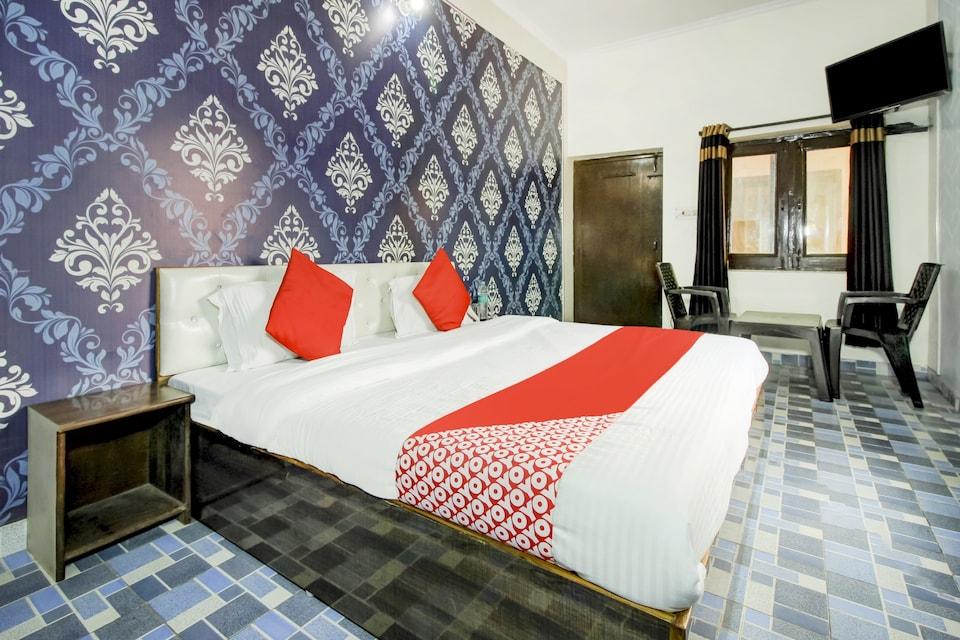 OYO 71043 Hotel Kingsman