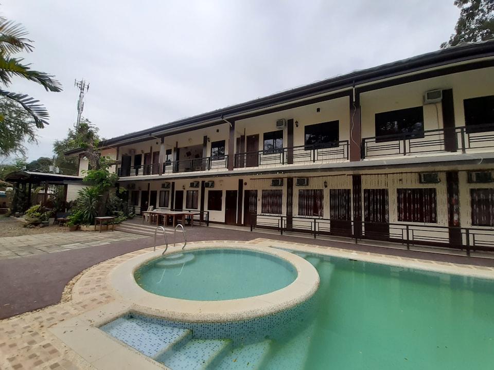 OYO 576 Diakopes Inn