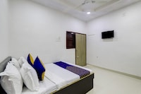 SPOT ON 71130 Hotel Shiv Krupa