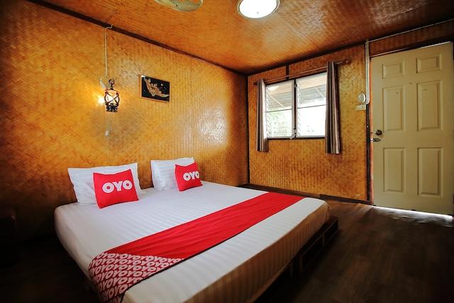OYO 774 T & T Hostel