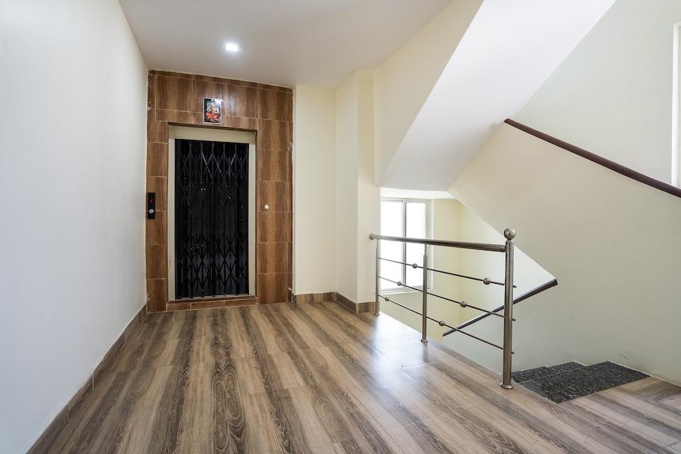 OYO 71209 New Satyam Residency