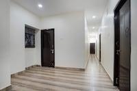 OYO 71209 New Satyam Residency NON