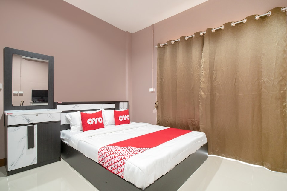 OYO 784 Brown Home Sattahip