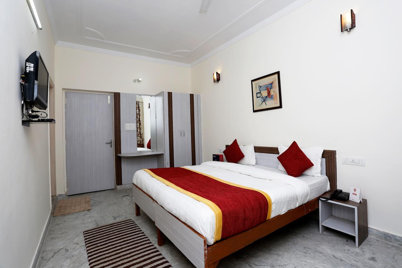OYO 5936 Hotel Hermitage -1