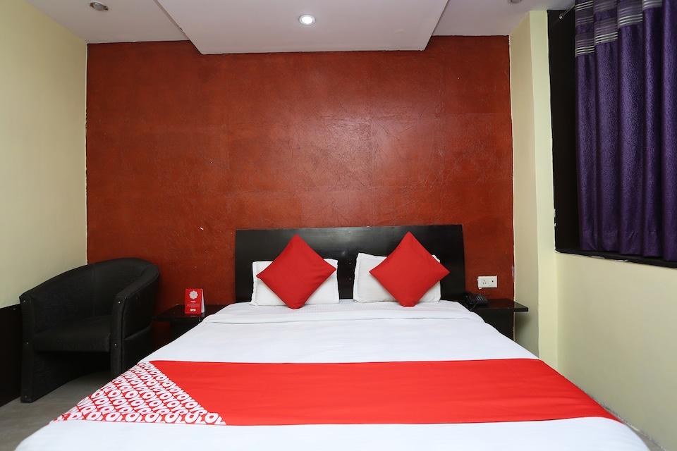 OYO 5937 Hotel Blue Castle