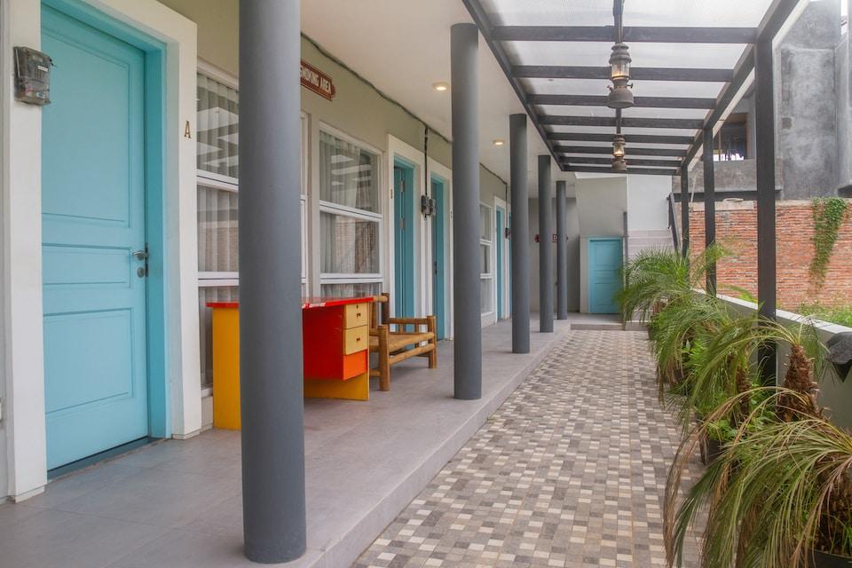OYO Life 3192 Perdatu Residence, Kembangan, Jakarta