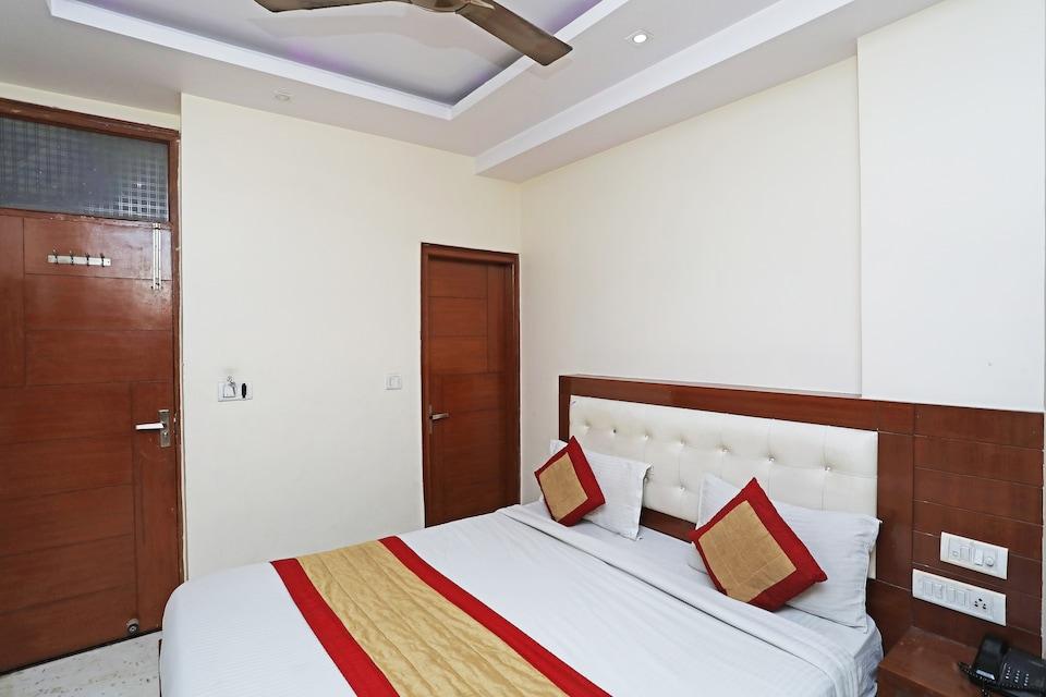 OYO 5942 Hotel Giani International