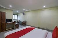 OYO 71366 Krishna Hotel