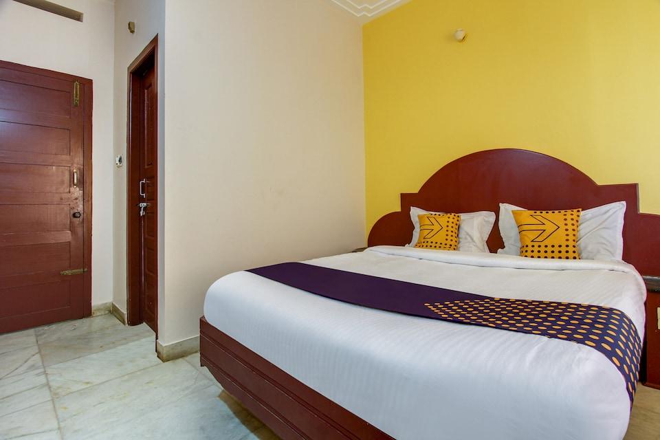 SPOT ON 71372 Hotel Bhagya Lodge