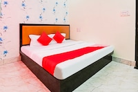 OYO 71393 Radhika Hotel & Restaurant