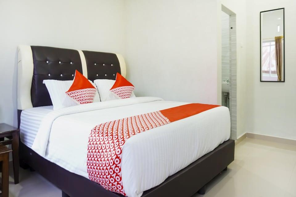OYO 3215 Marina Hotel