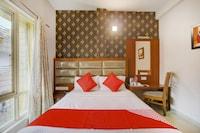 OYO 71441 Hotel Pine Tree