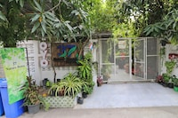 OYO 812 Nature House