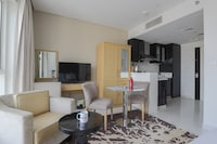 OYO 504 Home  Canal View Studio Apartment