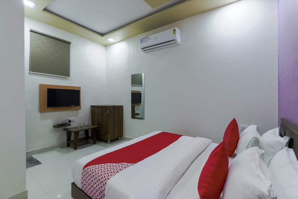 OYO 71541 Tanwar Plaza