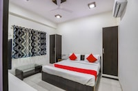 OYO 71552 Jay Bhole Guest House & Hotel