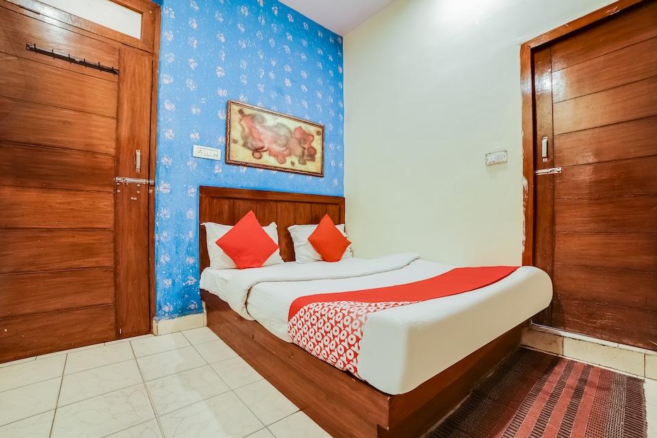OYO 71555 Hotel Payal