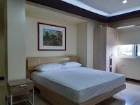 OYO 593 Plumeria Hotel