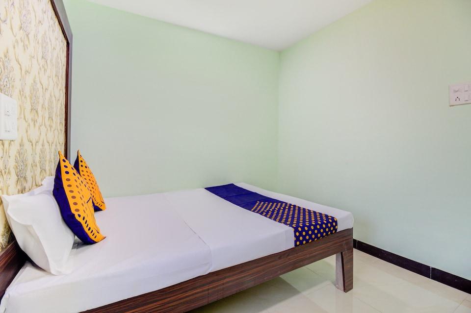 SPOT ON 71578 Hotel Niranjan Lodging And Boarding
