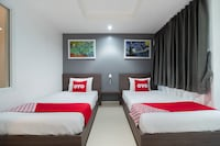 OYO 839 Next At Rating Hotel