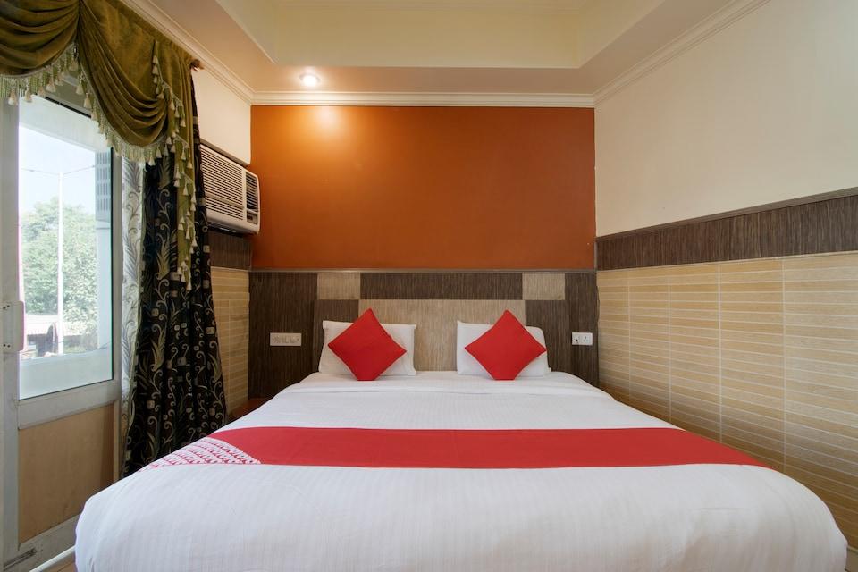 Om Hari Residency
