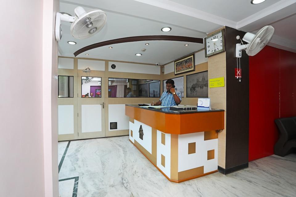 Hotel Arya International
