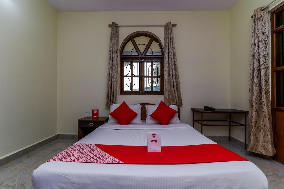 Hotel Grotto Bay