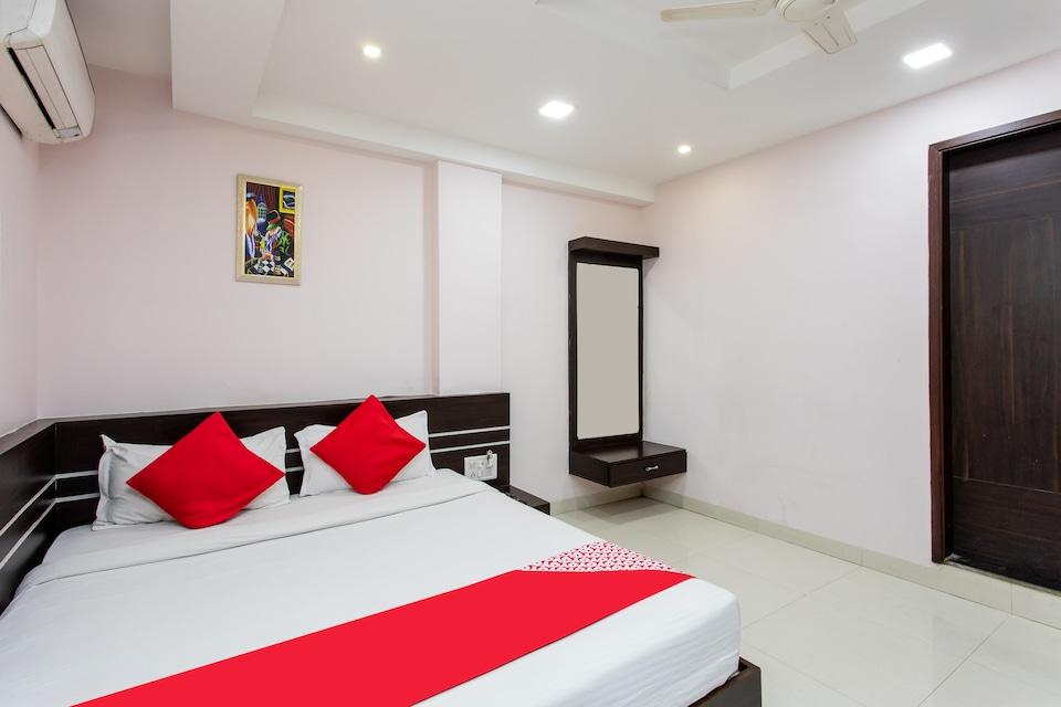 Hotel Pishori Residency