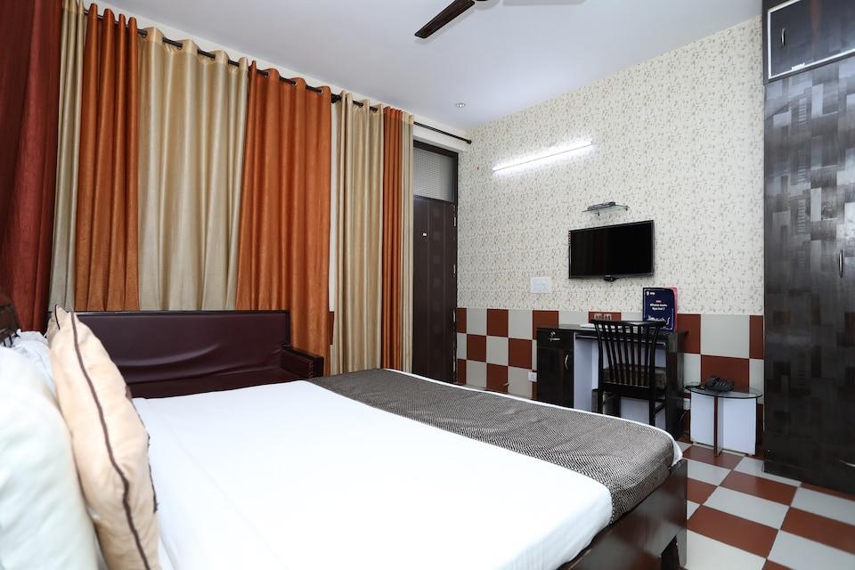 Hotel Paradise Residency