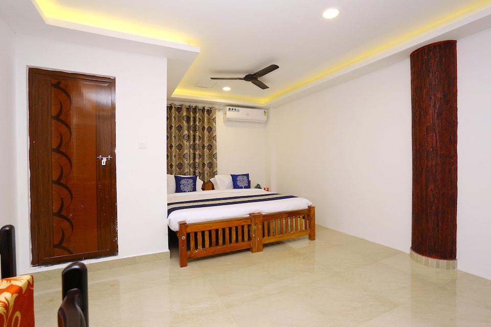 Hotel Emza Residency