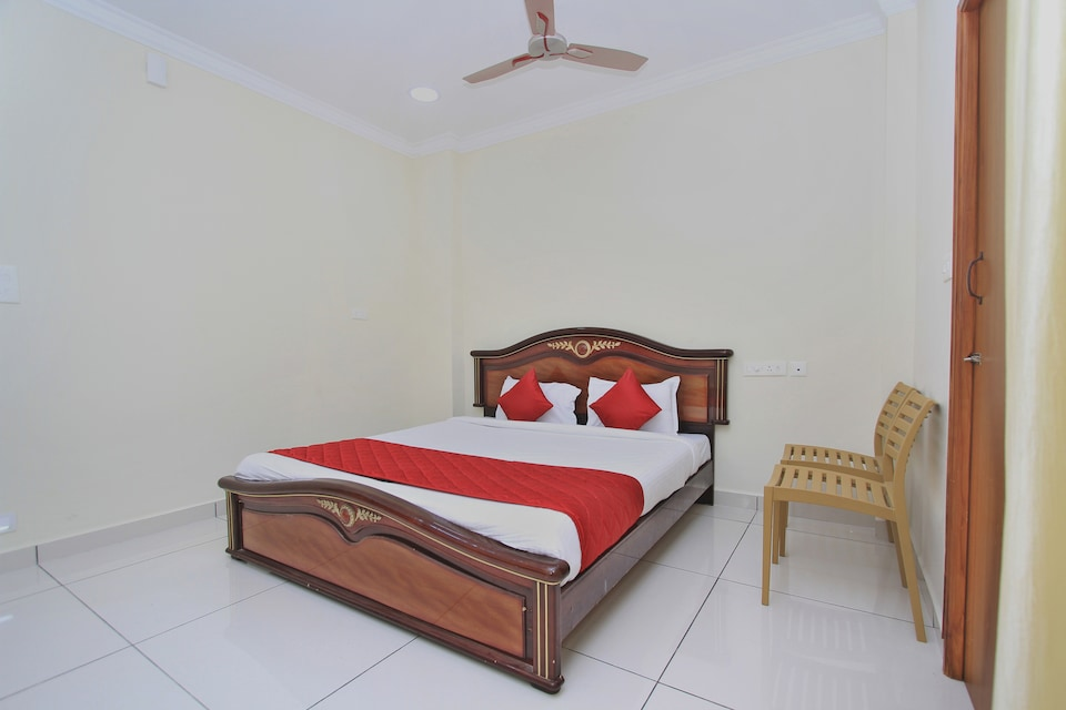 10777 Compact 2BHK