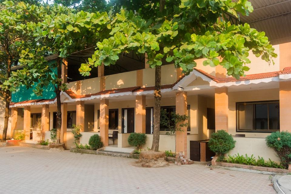 Manori Resort