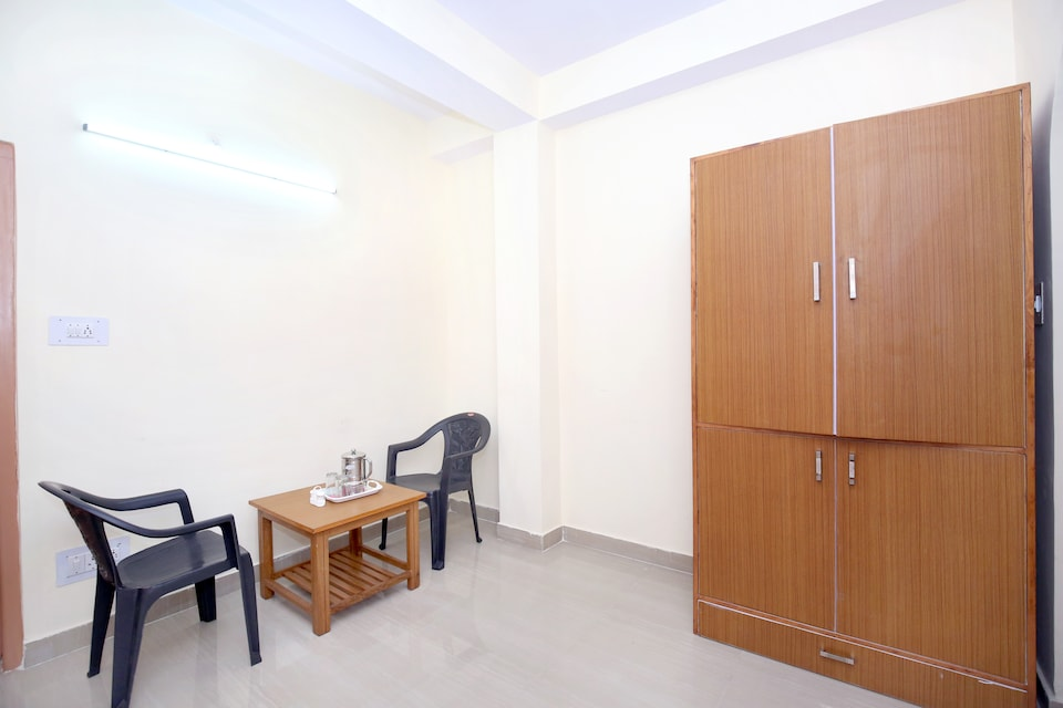 12718 Hill View 1BHK