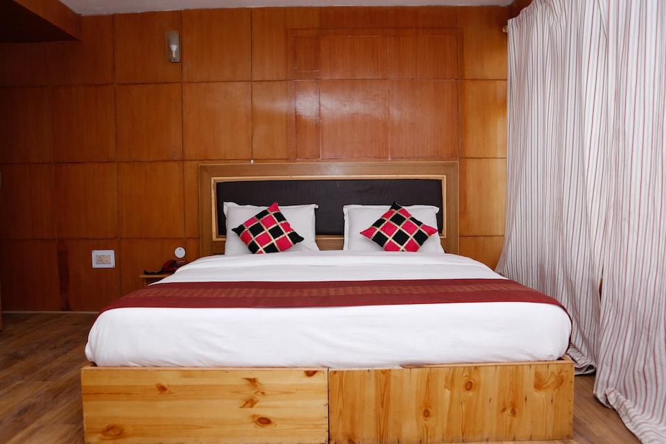 Hotel Galwan Palace
