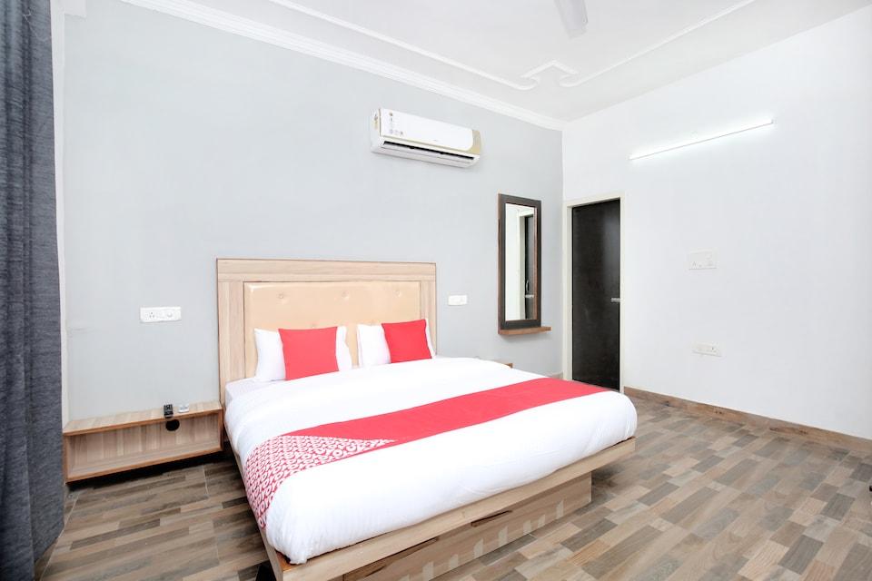 Hotel Redstone