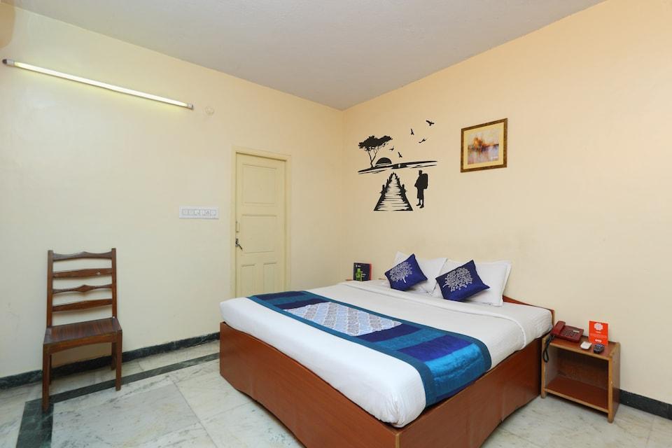 Apartment Anna Salai