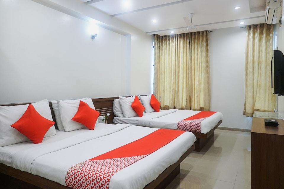 Hotel Sai Srushti