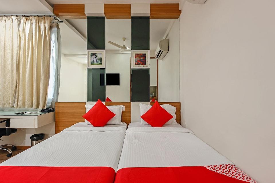 18335 Eaglewood Hotels
