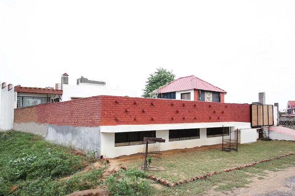 19976 Luxury Farmhouse