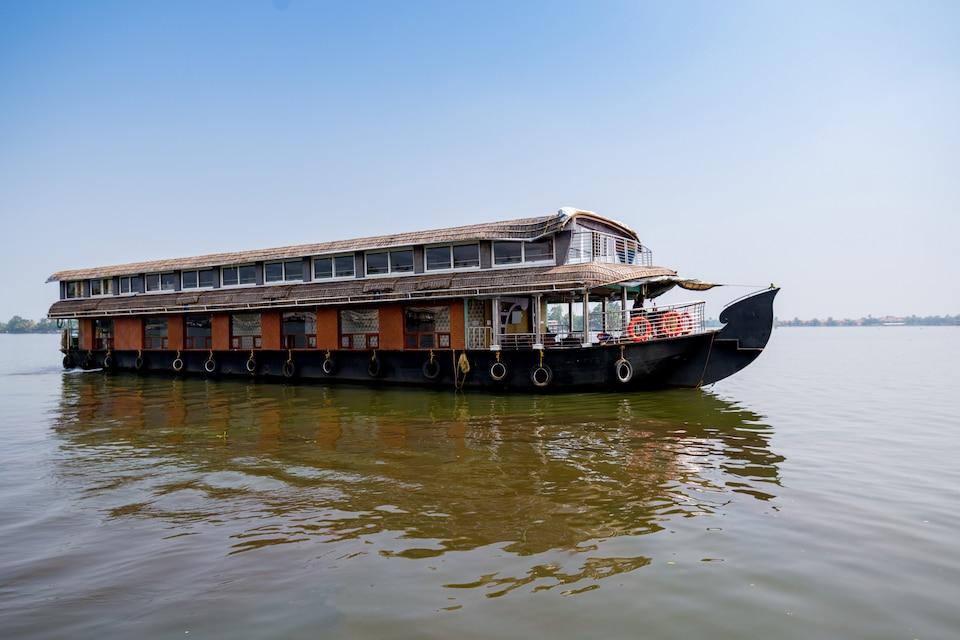 Houseboat Anugraha 8 Bhk