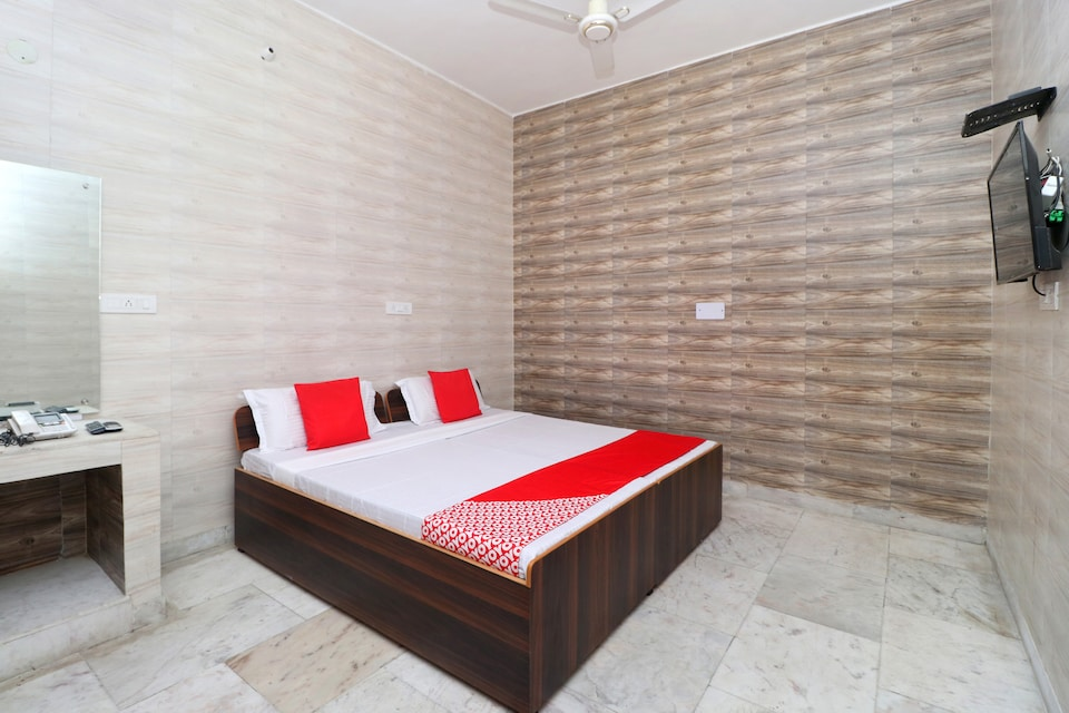 Shiv Guest House