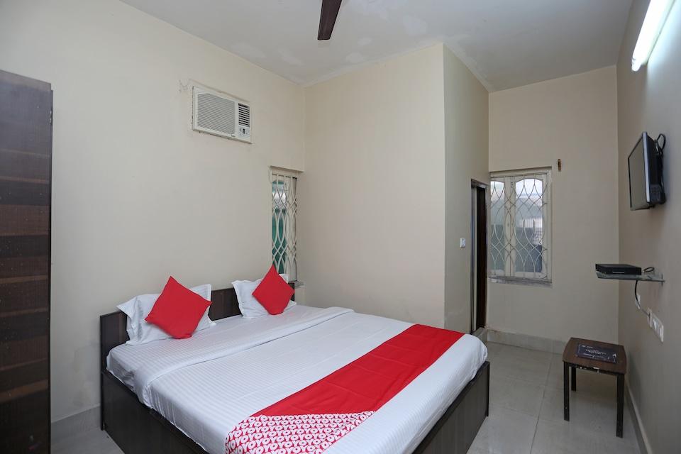 Aakash Bika Guest House