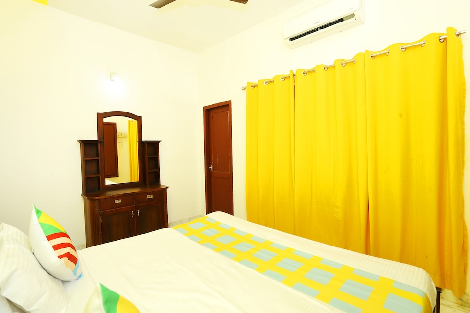 24772 Traditional Stay Near Lulu Mall