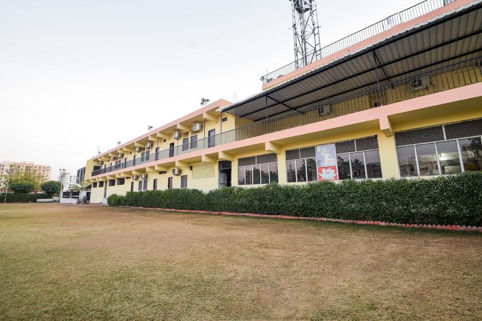 Hotel Parmanand Garden