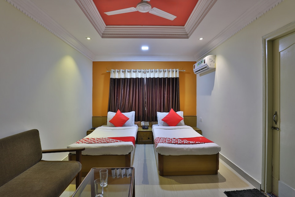 Hotel The Grand Bansi