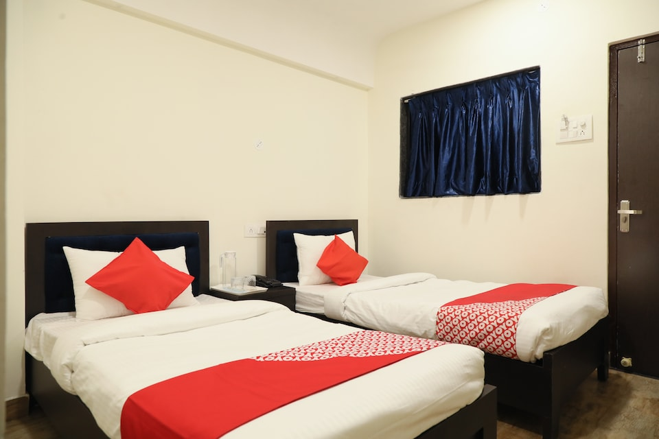 Hotel Leo Star