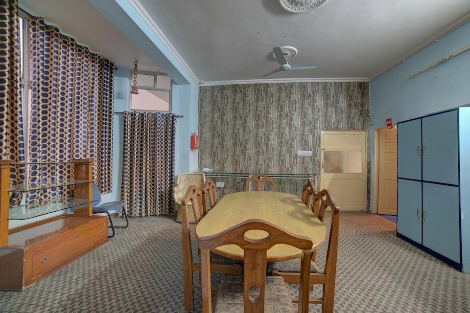 Meenu Inn