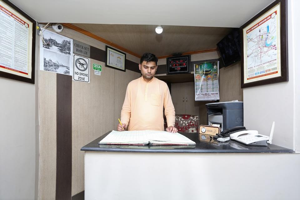 SPOT ON 29730 Hotel Shahjahan