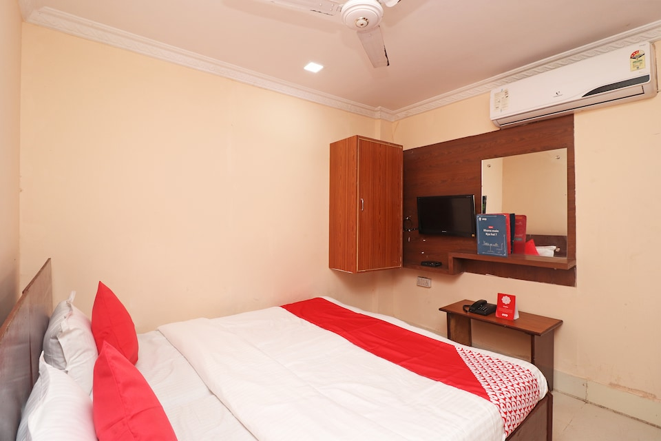 New Hotel Ashirbad