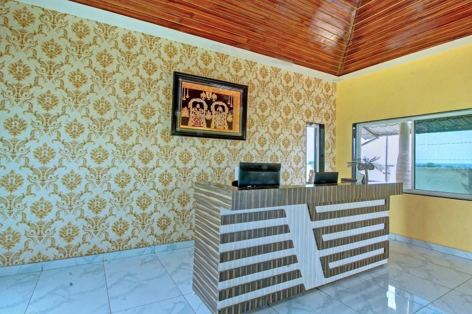 Crystal Palms Highway Resort